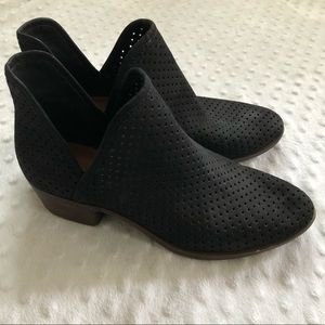 Lucky Brand Baley perforated ankle booties Size 7